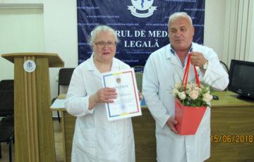 """<center>Felicitări cu prilejul sărbătorii profesionale  """"Ziua lucrătorului medical şi a farmacistului""""</center><br><br><font size=2>Vă dorim sănătate, bunăstare, prosperare şi realizări relevante în activitatea de zi cu zi întru dezvoltarea sistemului sănătăţii și celui de expertiză judiciară din Republica Moldova. <br><font size=2>Fie ca abnegația și angajamentul profesional, valori pe care le întruchipați, dedicându-vă exercitării acestei nobile profesii să fie recunoscute și apreciate.<br><font size=2>Lumina să Vă însenineze sufletul, norocul, bunăstarea şi bucuriile de la cei apropiaţi să Vă însoţească mereu!"""