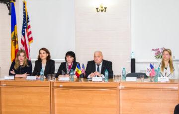 """<font size=3>12.04.2019 CU PRILEJUL ZILEI EXPERTULUI JUDICIAR A FOST ORGANIZAT SIMPOZIONUL REPUBLICAN AL SERVICIULUI MEDICO-LEGAL DIN REPUBLICA MOLDOVA CU GENERICUL """"SCHIMBUL DE BUNE PRACTICI ÎN EXAMINAREA MEDICO-LEGALĂ A VICTIMELOR VIOLENȚEI SEXUALE"""". SIMPOZIONUL A FOST ORGANIZAT ÎN PARTENERIAT ȘI CU SUSȚINEREA AMBASADEI STATELOR UNITE ALE AMERICII ÎN REPUBLICA MOLDOVA ȘI CENTRULUI INTERNAȚIONAL PENTRU PROTECŢIA ŞI PROMOVAREA DREPTURILOR FEMEII """"LA STRADA""""."""