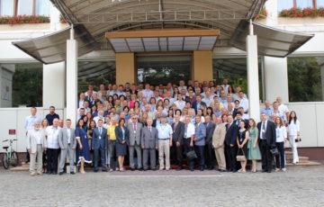 """<div align='justify><b><font' size='3>Participare' la Congresul Internațional al medicilor legiști din Ucraina <br><br><font size='2>Medicii' legiști din Republica Moldova au participat la Congresul Internațional al medicilor legiști din Ucraina și Asociației de medicină legală """"Osteuropaverein"""" desfășurat în or.Cernăuți pe 04 și 05 iulie. Evenimentul științific a fost dedicat zilei profesionale a expertului judiciar din Ucraina (04.07.2019) și a întrunit peste 160 de participanți din Ucraina, Elveția, Germania, Slovacia, Bulgaria, România, Republica Moldova și Belarus."""